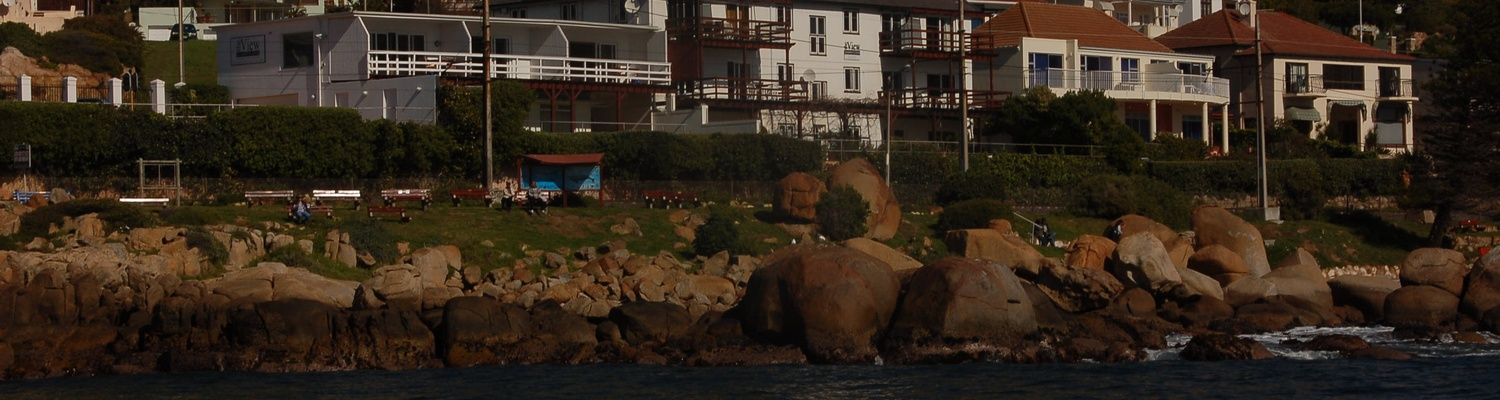 Accommodation Cape Town,Fish Hoek Beach Cape Town,fishhoek,fish hoek,Fish Hoek Beach,Things to do in Fish Hoek,Holiday Accommodation,Fish Hoek Sunrise,Self-catering accommodation,seaside cottages,guest reviews,view of fish hoek,fish hoek resort