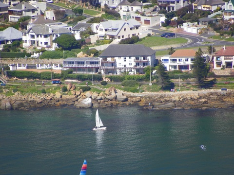 The Upper Deck Fish Hoek - Self Catering Apartment